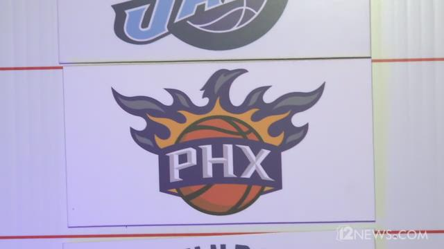 Video | Suns fans react to Devin Booker pick